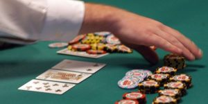 Hal-hal yang membuat sulit untuk menang poker online